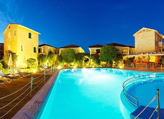 Alkyon Apartments & Villas Hotel - Pool and Bar