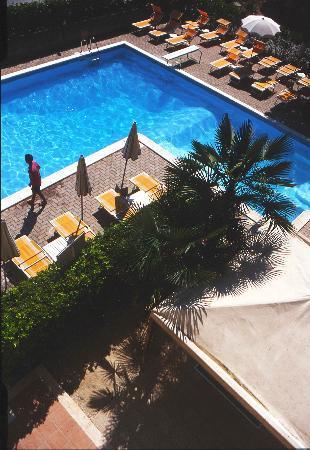 Hotel Rivadoro: Piscina