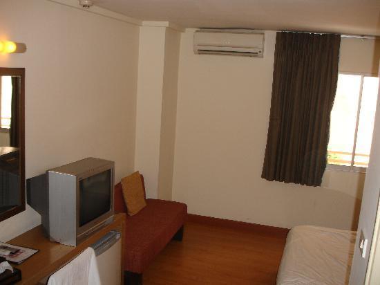 Siam Hotel: hotel room