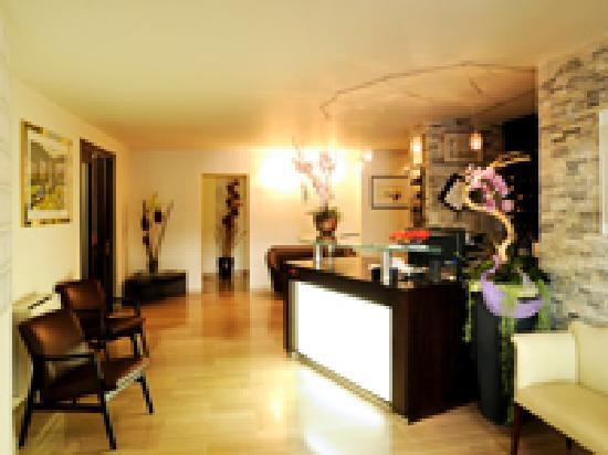 Hotel Concordia: Reception