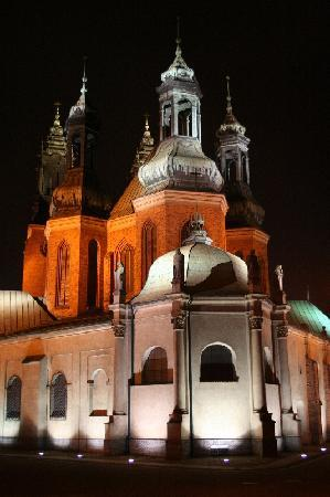 Katedra Poznańska: in der Nacht