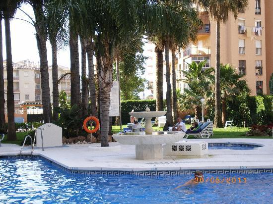 Parasol Garden : foto de la piscina