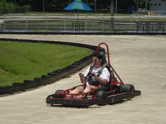 Fun City Action Park : My mum burning rubber !