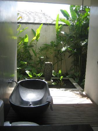 Saba Villas: 2nd Bathroom