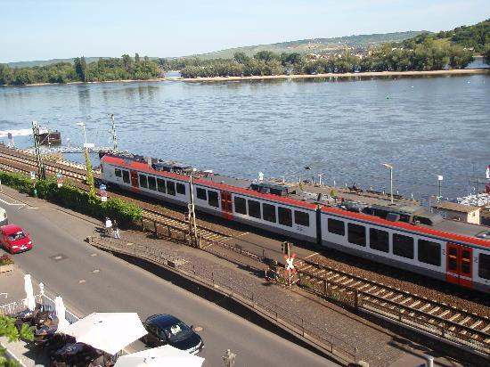 Parkhotel Ruedesheim am Rhein: view from the room