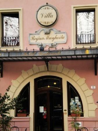 Rovigo, Italia: L'ingresso dell'hotel