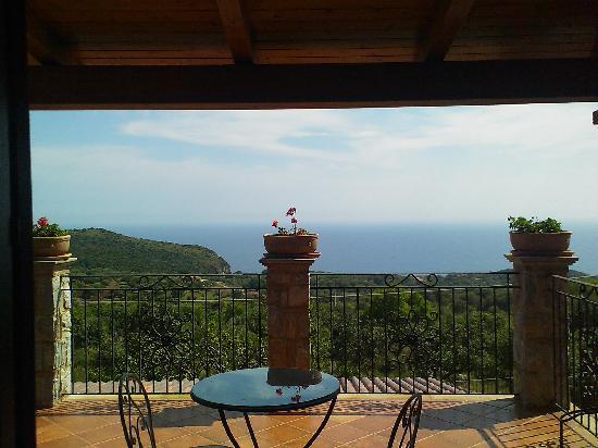 Hotel Relais du Silence Pian Delle Starze: Blick über die Zimmer-Terrasse zur Küste