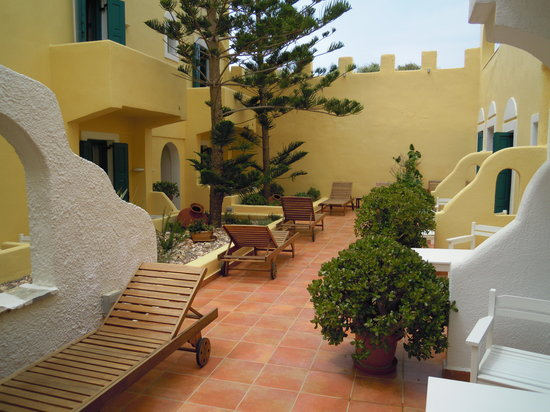 Hotel Grotta: Le patio du bas