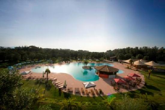 Cittanova, Италия: Panorama piscina