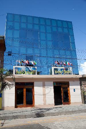 Dorado Hotel Express: Entrada