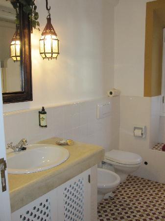 Quinta da Cebola Vermelha: Badezimmer