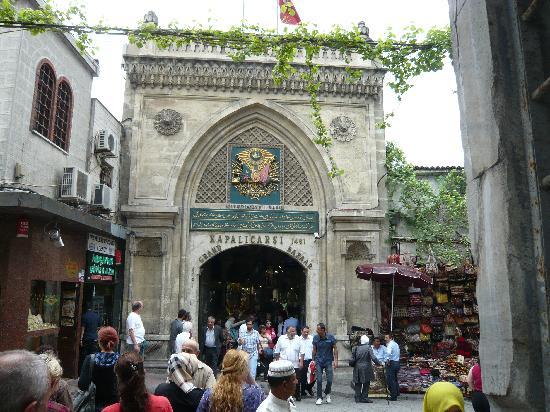 Стамбул, Турция: Haupteingang zum Grossen Basar