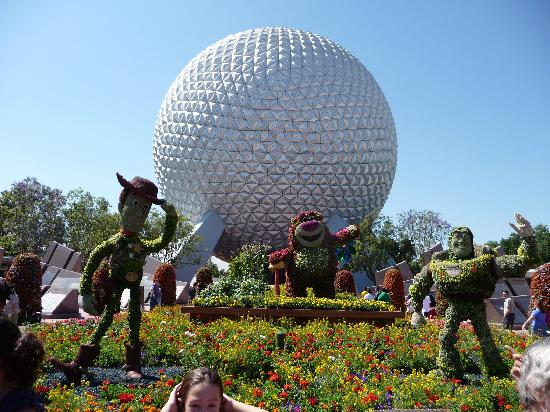 Тематический парк Epcot: Flower and garden festival creations