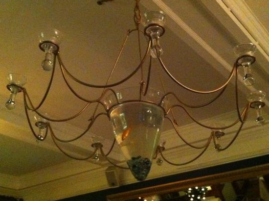 North Pole Piano Restaurant : look up for the goldfish!