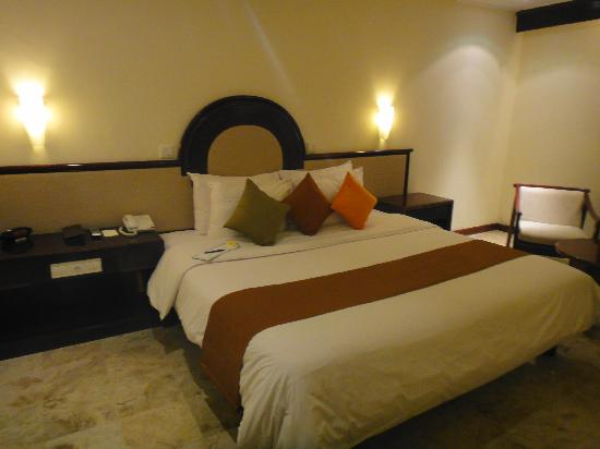 Discovery Kartika Plaza Hotel: Our room...