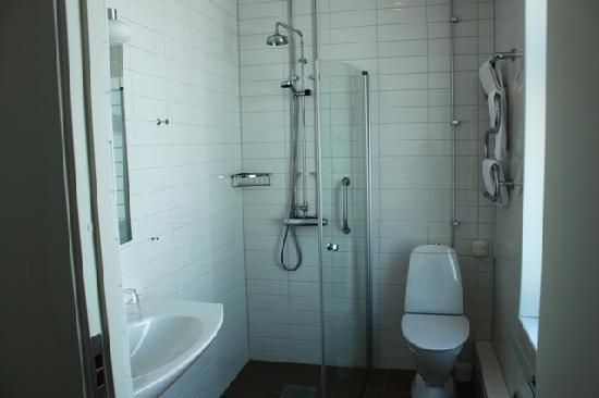 Hotel Flora: dettaglio bagno