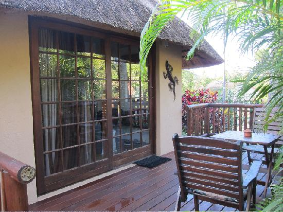 Afrikhaya Guest House: View from the outside