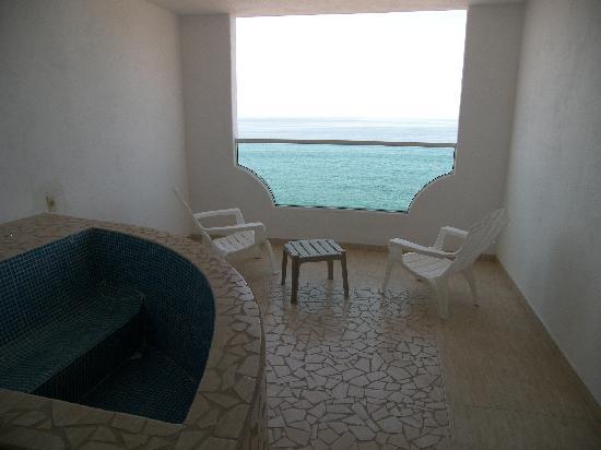 Hotelito Escondido Manzanillo: JACUZZI VISTA AL MAR