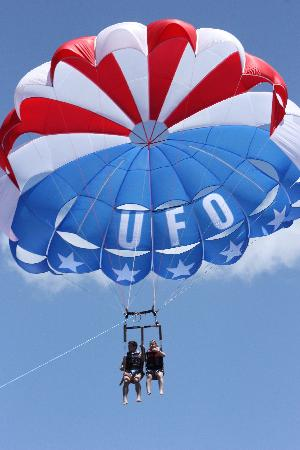 UFO Parasail: Flying the Stars and Stripes