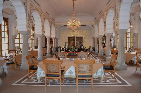 The Oberoi Rajvilas: Dining Room