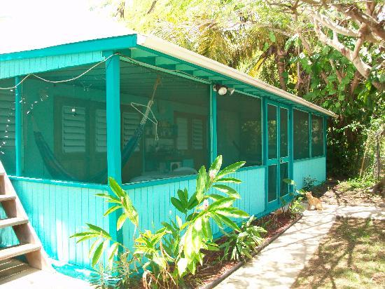 Casita Tropical: enclosed patio
