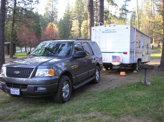 Yosemite Westlake Campground and RV Park: Leval clean sites
