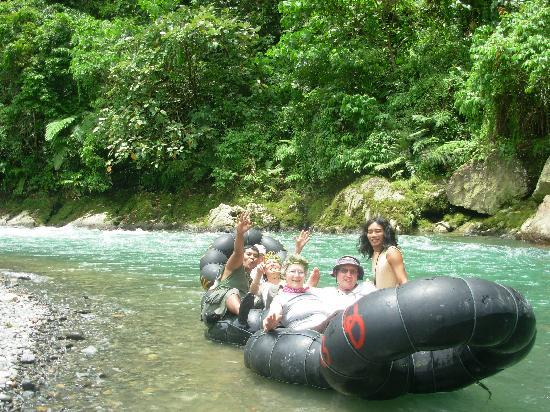Bukit Lawang, Indonesia: Tubing auf dem Bohorok Fluss
