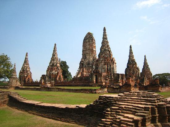 Wat Chaiwatthanaram - Picture of Ayutthaya Historical Park ...