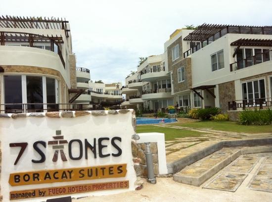 hotel outlook - 長灘島七岩沙灘飯店的圖片 - TripAdvisor