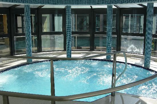 Aquabella Hotel: Hotel's whirlpool