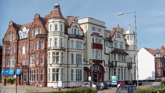 The Cliftonville Hotel: hotel.