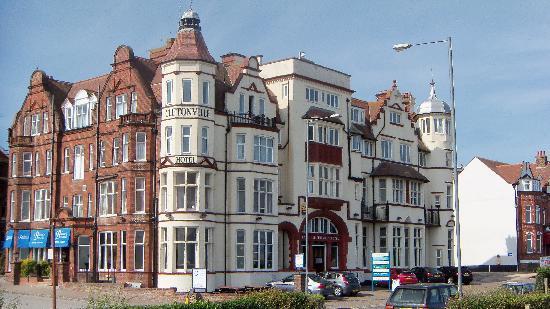 Cromer, UK: hotel.
