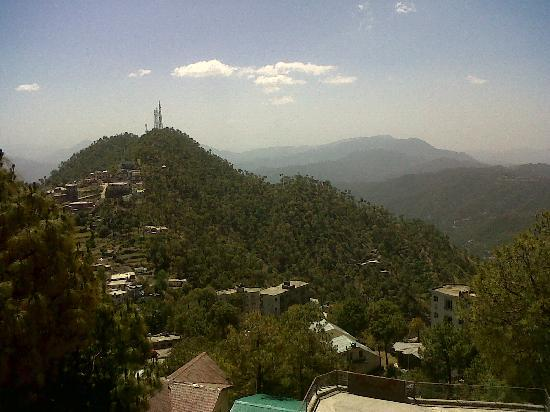 Barog, Indien: View from the hotel -2