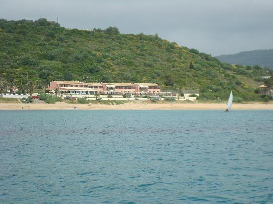 Hotel Costas Golden Beach: Hotel from the sea.