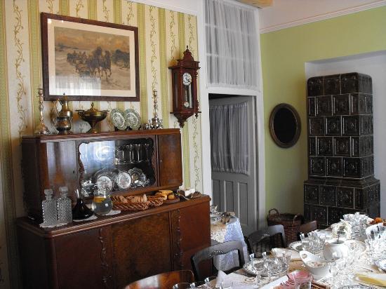 Sovi Dom : dinning room