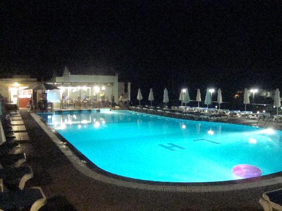 Lindos Horizon: The pool
