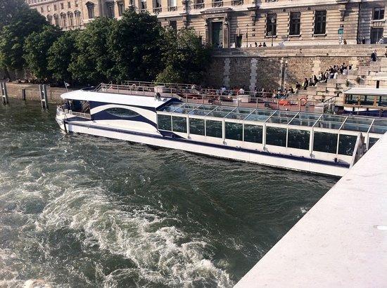 Paris en Scene - Diner croisiere: le Paris en scene !!