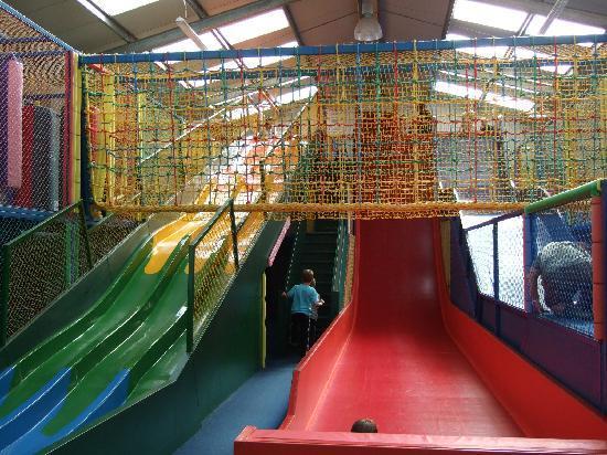 Heads of Ayr Farm Park : Indoor slides