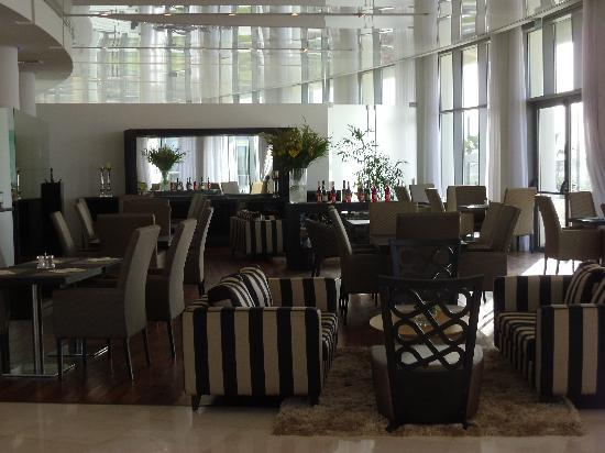West Boutique Hotel Tel Aviv: Ground floor restaurant
