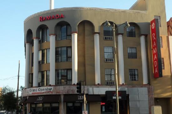 Ramada Los Angeles/Wilshire Center: Facade