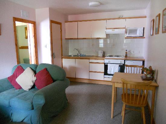 High Range Self-catering Chalets: Ben MacDhui living room