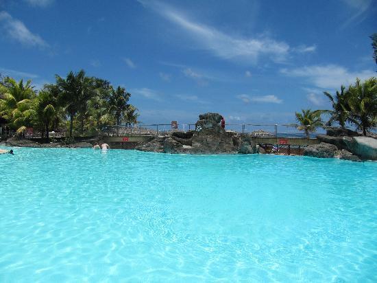 Le Manganao Hotel Club Paladien: Piscine de l'hôtel Maganao