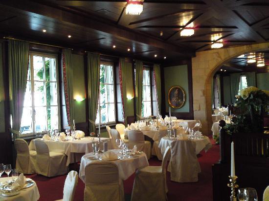 Steigenberger Grandhotel Petersberg: Restaurant interior