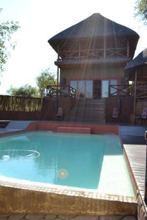 Naledi Bushcamp and Enkoveni Camp: The communal areas