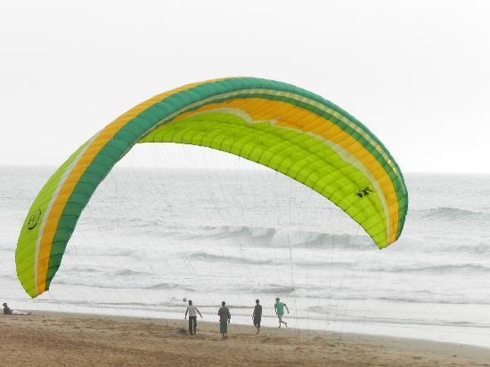 Legzira Beach: Parapendio a Legzira