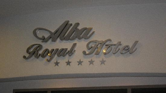 Alba Royal Hotel: the hotel