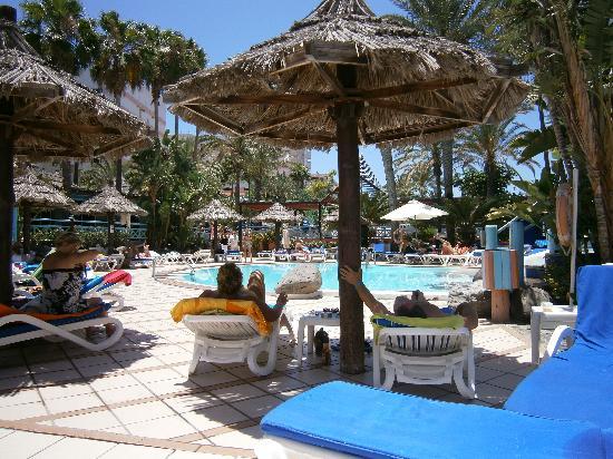 IFA Continental Hotel: pool area