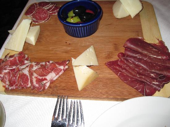 Vesuvio Bistro: Our meat and cheese antipasto
