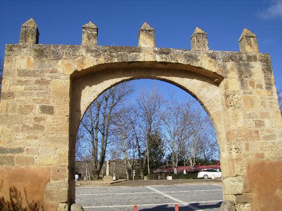 Monasterio de Veruela: entrada al monasterio,veruela