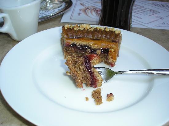 Cafe Beeg: Kuchen Nummer EINS